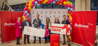 10 miliomowy pasażer Small Planet Airlines